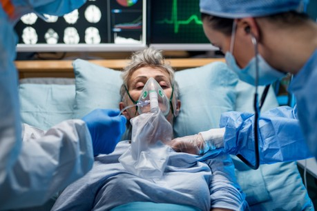 Ce n'est pas tant dans les services de soins intensifs que dans des unités traditionnelles (+ 11) que la hausse des hospitalisations se remarque. (Photo: Shutterstock)