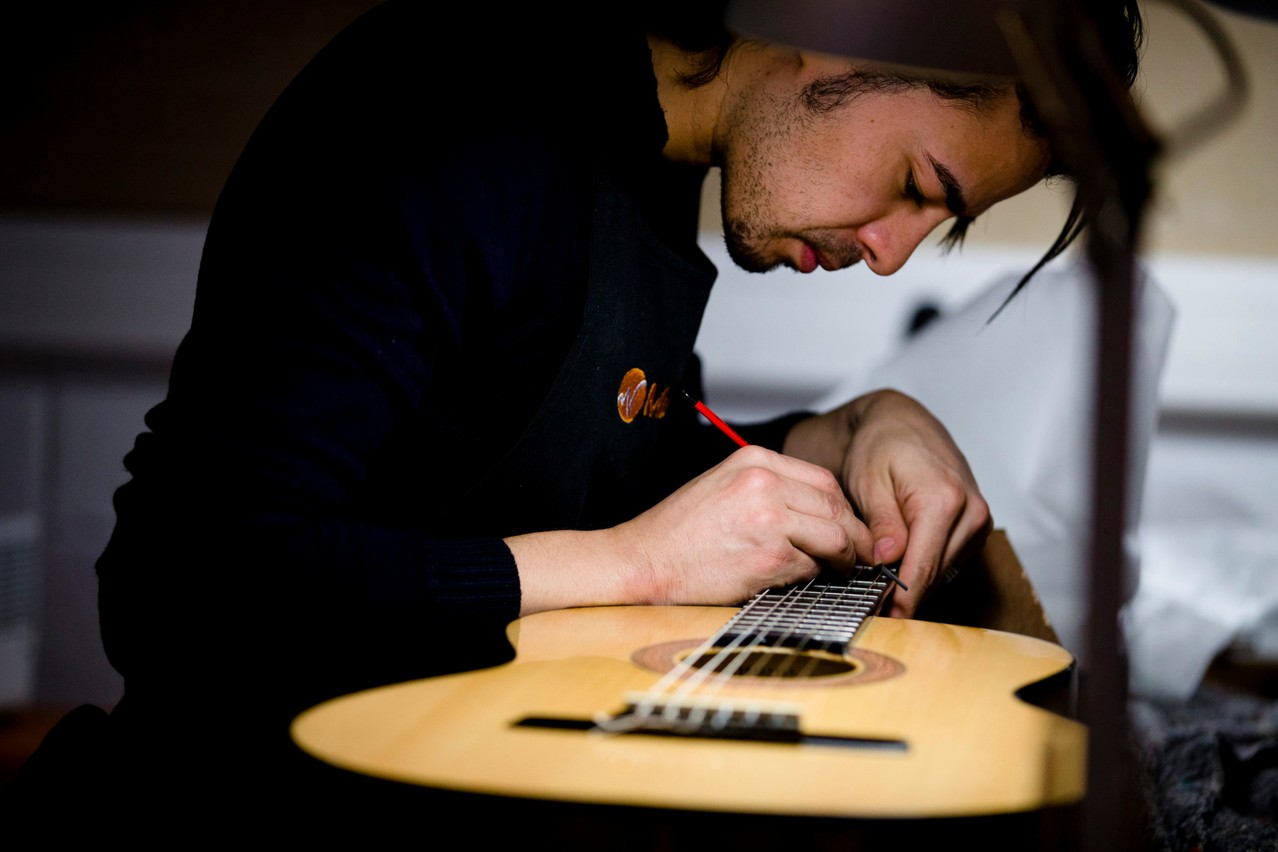Since its creation in 2005, over 9,900 instruments have been donated through  Music Fund , but repair work is also one of the most important activities for the association. Koen Broos/Music Fund