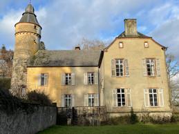 Le château de Birtrange se déploie aussi à l'arrière. ((Photo: Croix-Rouge luxembourgeoise))