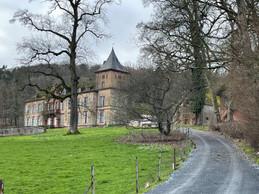 Vue du château de Birtrange en arrivant. ((Photo: Croix-Rouge luxembourgeoise))