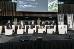 Sally Wong (Hong Kong Investment Funds Association), Giles Swan (ICI Global), Vincent Ingham (Efama), Sheila Nicoll (Schroders) et Baptiste Aboulian (Ignites Europe & Ignites Asia) (Blitz Photo Agency)
