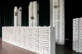 Vue de l'installation «Un Monde parfait» de Martine Feipel et Jean Bechameil. (Matic Zorman / Maison Moderne)