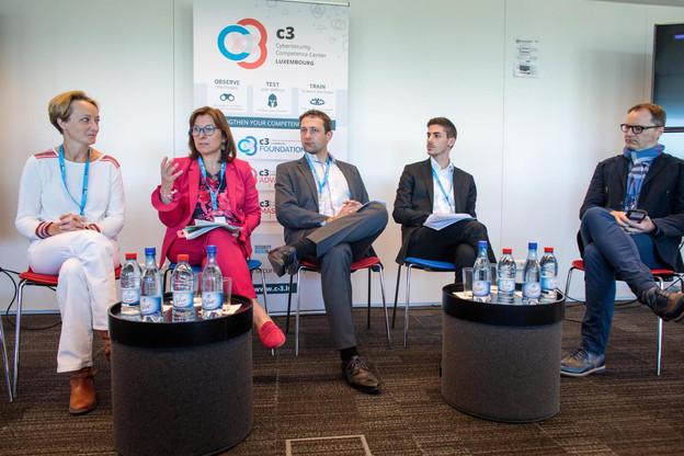 De gauche à droite:Lorelien Hoet (Microsoft), Tilly Metz (Déi Gréng),Christophe Hansen (CSV),Loris Meyer (DP) et Pascal Steichen (Securitymadeinlu). (Photo: Matic Zorman)