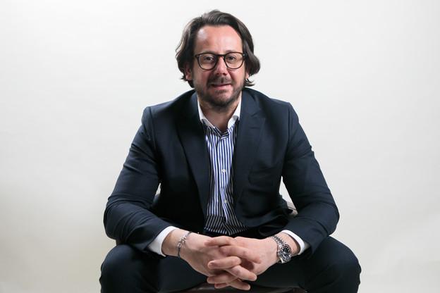 Damien Chasseur,fondateur et associé de Positive Thinking Company, apprécie particulièrement les adresses qui savent combiner saveurs et convivialité. (Photo: Matic Zorman / Maison Moderne)