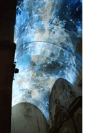 Test de la vidéo-projection sur le plafond de la Chapelle de la Charité à Arles. ((Photo: Lët'z Arles))