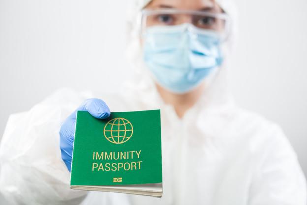 Les initiatives pour un passeport vert se multiplient pour relâcher la pression sur les citoyens en attendant que le taux de vaccination progresse. (Photo: Shutterstock)