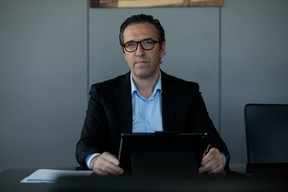 Gilles Gérard, le CEO de Luxlait, demande aux citoyens d'acheter luxembourgeois. ((Photo: Matic Zorman / Maison Moderne))