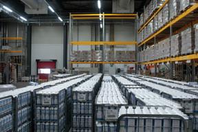 Des stocks de lait. ((Photo: Matic Zorman / Maison Moderne))
