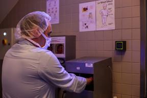 Le niveau d'hygiène est déjà élevé dans l'entreprise agroalimentaire, selon son CEO. Un avantage pour continuer l'activité pendant la crise. ((Photo: Matic Zorman / Maison Moderne))