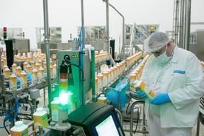 Jusqu'à l'emballage, l'usine Luxlait prépare les produits de A à Z. ((Photo: Matic Zorman / Maison Moderne))