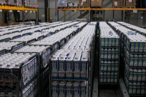 Les ventes de lait UHT ont augmenté d'environ 25% au début de la crise, lors de la ruée des clients en magasin. ((Photo: Matic Zorman / Maison Moderne))