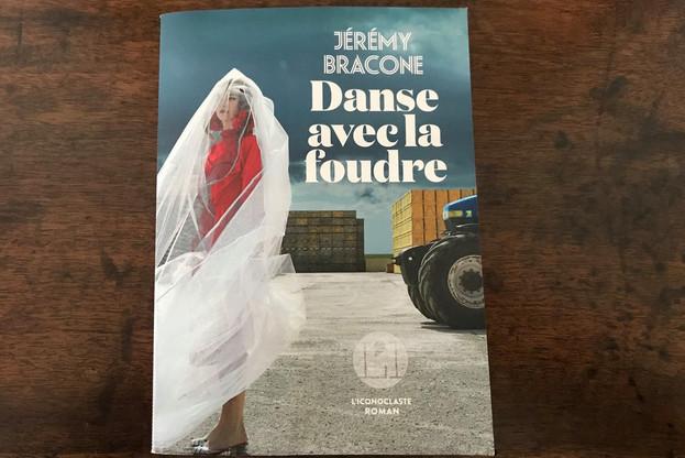 «Danse avec la foudre» est le premier roman de JérémyBracone. (Photo: Paperjam)