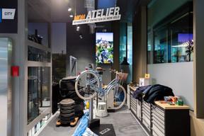 À côté des produits, des services comme la réparation des vélos sont proposés. ((Photo: Romain Gamba / Maison Moderne))