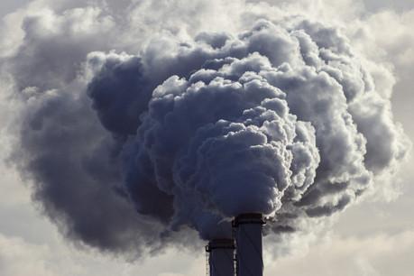 La toxicité des particules fines PM2,5 – les plus dangereuses car elles pénètrent profondément dans l'organisme – se fait ressentir bien en deçà du plafond fixé par l'OMS (10µm/m3). Et alors même que le plafond légal fixé par l'UE est encore moins contraignant (25µg/m3). (Photo: Shutterstock)
