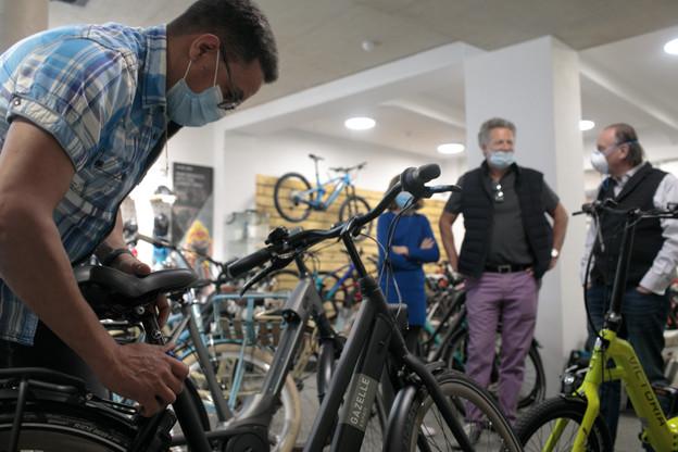 Depuis leur réouverture le 11 mai, les magasins de vélos sont débordés. (Photo: Matic Zorman / Maison Moderne)