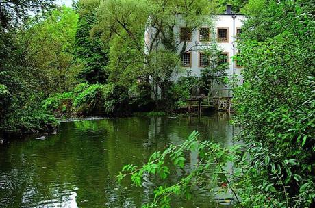 Au fil de l'Alzette et du Circuit Godchaux, le passé industriel textile de la Ville de Luxembourg se dévoile grâce à d'anciens moulins et sites de production particulièrement bien préservés. (Photo: LCTO)