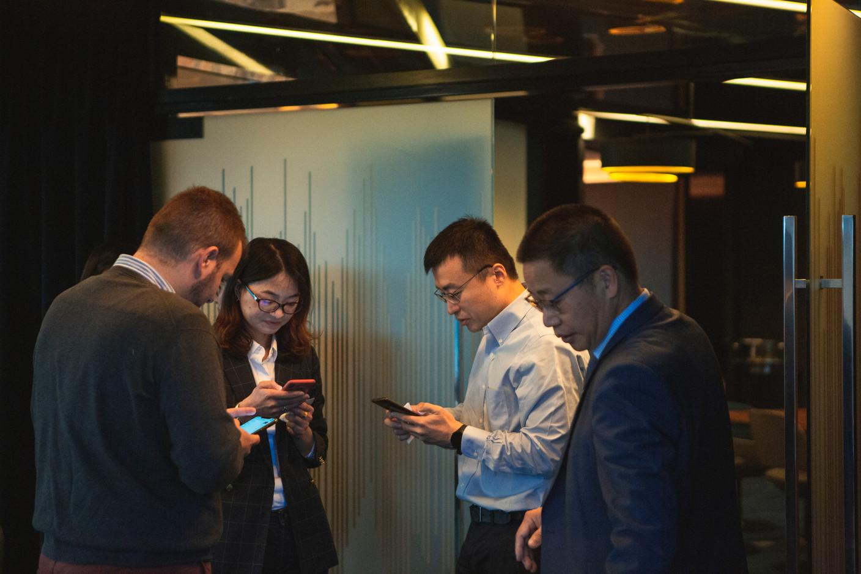 Sully Lu (FTA Communication Technologies), Jin Weijie (China Construction Bank Europe) et Shaohui Zhang (Dentons) (Photo: Léo Biewer/Maison Moderne)