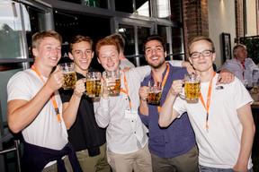 Xavier Thillen en deuxième position, Moritz Ruhstaller (Luxembourg Youth Parliament) au milieu et  Felix Roberts sur la droite ((Photo: Jan Hanrion / Maison Moderne))