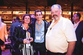 Yanna Conti (KPMG), Emmanouil Glavinas (L'Équipe du Vin) et Jean-Yves Beaulieu (Vins Divins) ((Photo: Patricia Pitsch/Maison Moderne))
