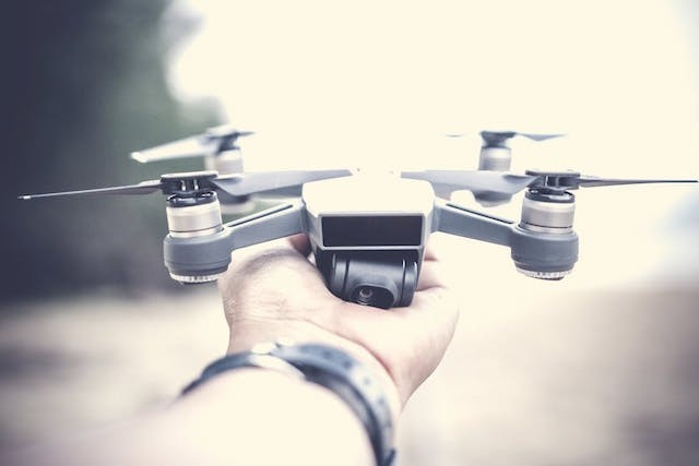 Apple, Intel, Microsoft and Uber will soon start flying drones for a range of tasks including food and package delivery, digital mapping and conducting surveillance Pexels