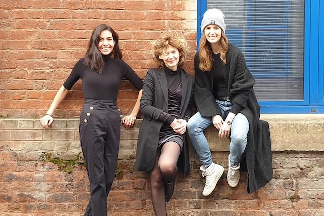 Charlotte in Red team from left: Gabriella Moya, Patrizia Luchetta and Ana Pierucci Charlotte in Red