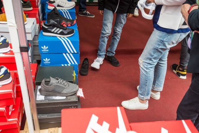 Bargains like sports shoes at greatly reduced prices are sought after treasure at the Braderie, which this year has been scaled back to comply with Covid-19 health and safety regulations. Mike Zenari (archives)