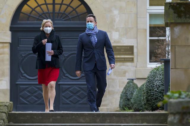 Health minister Paulette Lenert and prime minister Xavier Bettel, the faces of Luxembourg's pandemic crisis management SIP / Jean-Christophe Verhaegen