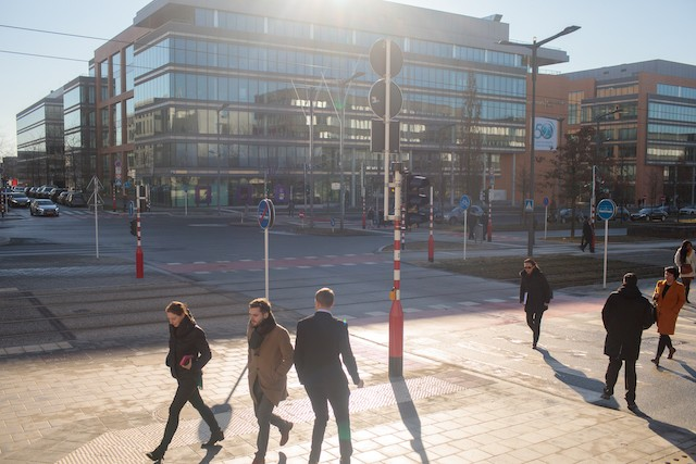 A typical, pre-pandemic morning scene in Luxembourg-Kirchberg where commuters arrive for work in the financial district Matic Zorman/archives