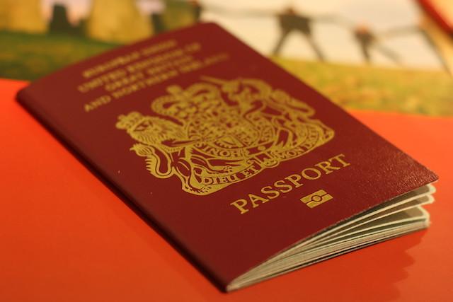 british_passport_23_oct_2008_flickr_chris_fleming-web.jpg