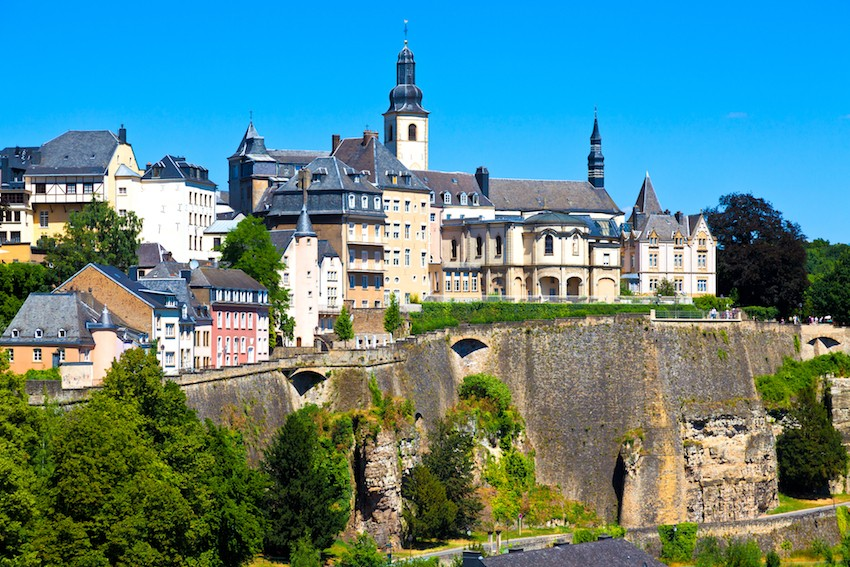 Buyers have put down an average of around €100,000 and taken out a loan for more than €700,000 for a Luxembourg City-Centre apartment in 2020, per a recent Athome Finances report. Shutterstock