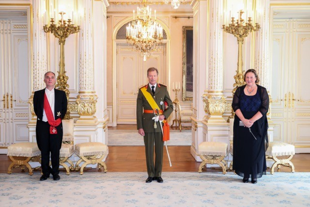 Dutch ambassador Cornelis Jan Bansema presented his credentials at the grand ducal palace accompanied by his wife Cour grand-ducale / Sophie Margue