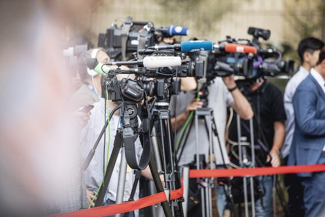 2019 archive photo shows press gathered during a visit to Luxembourg by British prime minister Boris Johnson Jan Hanrion/archives
