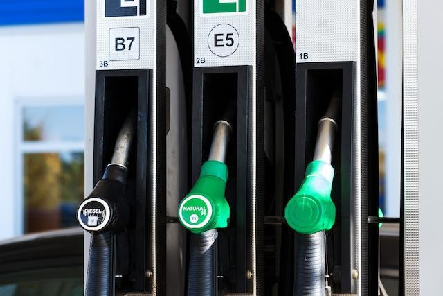 Petrol prices sank by 11.3% in the first half of 2020 ( Photo: Shutterstock)