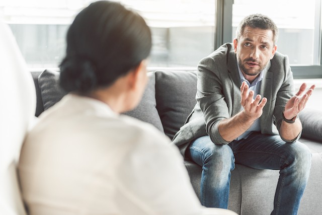 The 2020 chamber of employees' quality of work survey, shows a gradual increase in private-professional life conflicts, in physical health problems and burnout, and a decline in general wellbeing Shutterstock