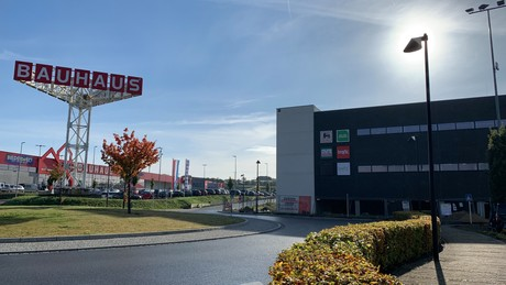 Le nouveau centre commercial complète l'offre marquée par les enseignes Bauhaus et Kichechef sur cet espace situé dans un bassin de population en pleine croissance. (Photo: Paperjam)
