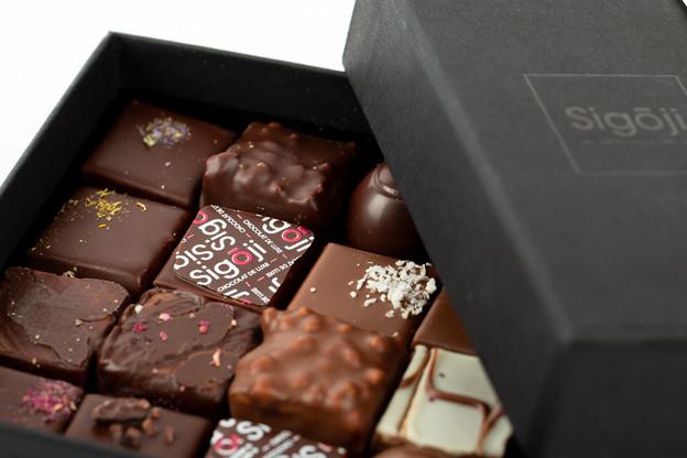 Avec sa marqueSigoji, disponible au Luxembourg chez Ochocolats,Euphrasie Mbamba a remporté le titre de«Chocolatier de l'année» en 2019. (Photo: Romain Gamba / Maison Moderne)