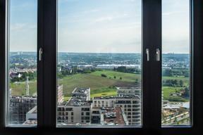 Vue sur le quartier depuis le 16e étage. ((Photo: Nader Ghavmi))