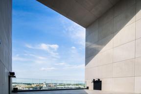 La fenêtre urbaine du bâtiment. ((Photo: Nader Ghavmi))