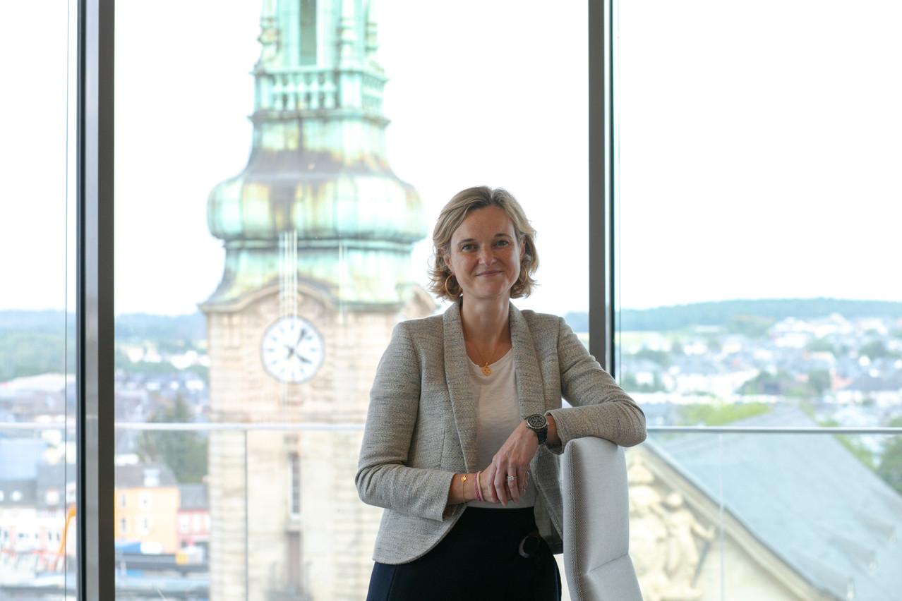 Après plusieurs stages dans le monde bancaire,DelphineBerlemont   a commencé sa carrière en audit avant de se rediriger vers les ressources humaines. (Photo: Matic Zorman/Maison Moderne)