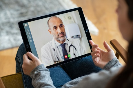 Une dizaine de patients accusent leur médecin d'avoir refusé une consultation sans test négatif au Covid-19. (Photo: Shutterstock)