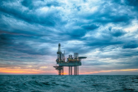 Greenpeace dénonce les investissements du FDC, dans l'industrie pétrolière notamment. (Photo: Shutterstock)