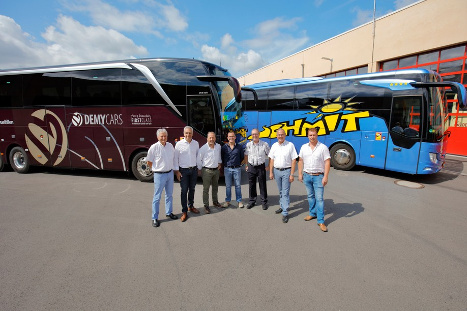 Demy Schandeler and Voyages Schmit are joining forces and intend to pool their infrastructures, particularly for vehicle maintenance and electric bus recharging.  (Photo: Marc Schmit)
