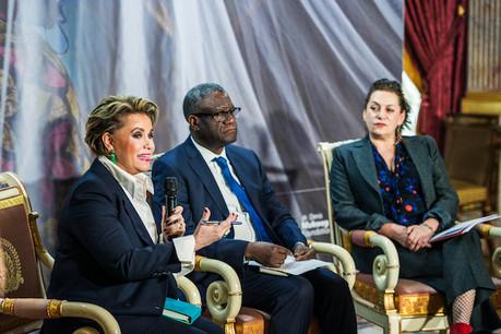 La Grande-Duchesse, le Dr Denis Mukwege et la juriste internationale spécialisée dans les crimes de guerre, Céline Bardet, au moment de la présentation du forum, le 25 janvier dernier. (Photo: Mike Zenari/Archives)