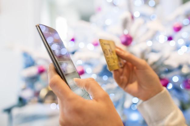 91% des personnes qui prévoient de participer aux achats de fin d'année disent qu'ils le feront en partie via internet. (Photo: Shutterstock)
