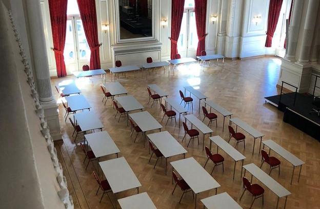 Les 60députés siégeront dans la même salle en respectant une distance de deux mètres. (Photo: Chambre des députés)