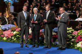 De gauche à droite: Xavier Bettel, Premier ministre, ministre d'État; Frank Elstner, journaliste et producteur TV (monde des médias et du film); S.A.R. le Grand-Duc; Fernand Etgen, président de la Chambre des députés. (© SIP / Emmanuel Claude, tous droits réservés)