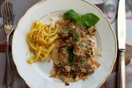 Pour la poêlée Etoscha, on prend de la viande d'autruche (Phot: DR)