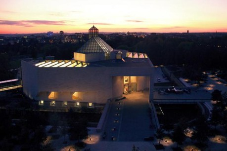 La nuit, les musées ne sont pas gris (Photo: Dominique Houcmant)