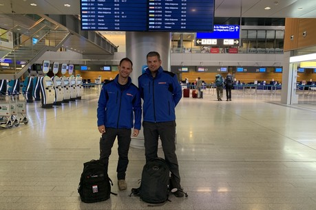 Les deux volontaires, Emanuel Bourg et Philippe Hein, sont partis ce mardi 10 septembre du Findel pour 3 semaines environ. (Photo: Direction de la coopération au développement et de l'action humanitaire)
