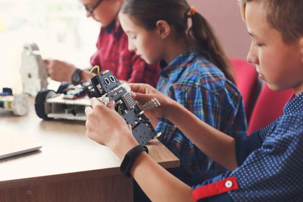 Les 29 «makerspaces» des lycées du pays ont rendez-vous à Clervaux pour leur grande fête annuelle. Les «makerspaces»? Un moyen concret de susciter créativité digitale et envie d'entreprendre pour les jeunes Luxembourgeois. (Photo: Shutterstock)